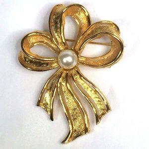 Napier Bow Ribbon Brooch Pin Faux Pearl